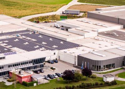 Photovoltaik & LED Projekt Donauwell Wellpappe