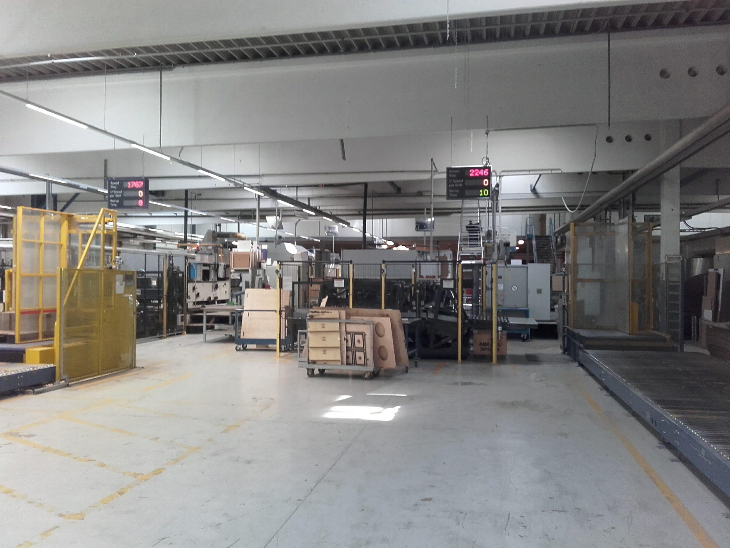 LED Beleuchtung Referenzprojekt Industrie Hallenbeleuchtung